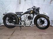 Старинный мотоцикл AJS 1928 года