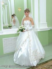 Продам Свадебное платье белое слитное